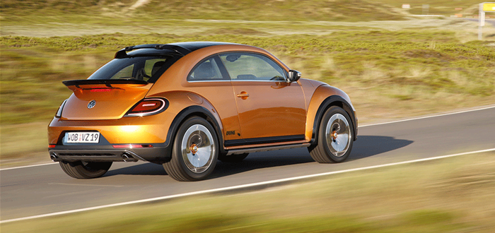 volkswagen-beetle-dune-concept-rear-three-quarter-view-in-motion-web-1